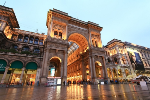 Discover Milan with a city tour in Italian!